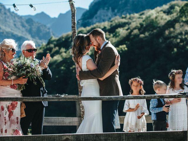 La boda de Trevor y Erin en Caleao, Asturias 19