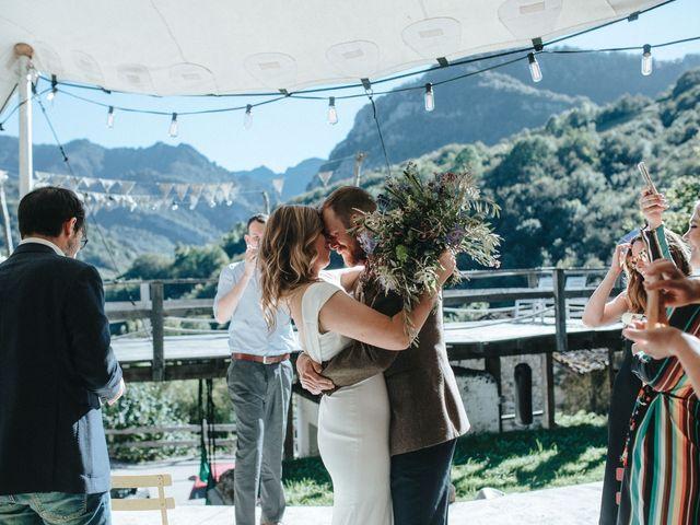 La boda de Trevor y Erin en Caleao, Asturias 24