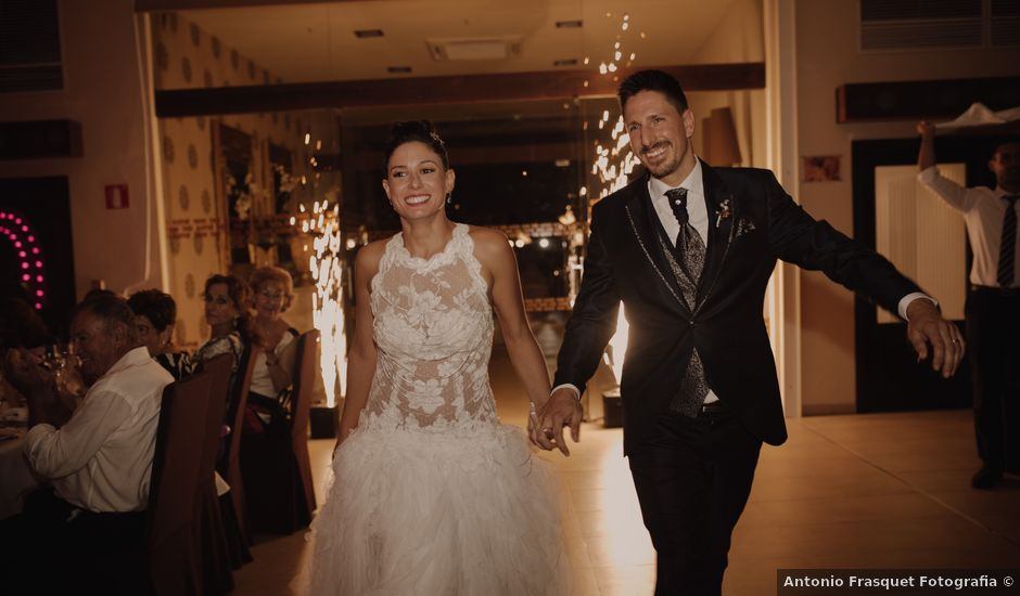 La boda de Jose y Arantxa en Piles, Valencia