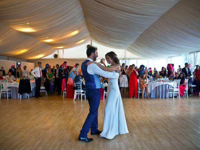La boda de Juampe y Cris en A Baña, A Coruña 11