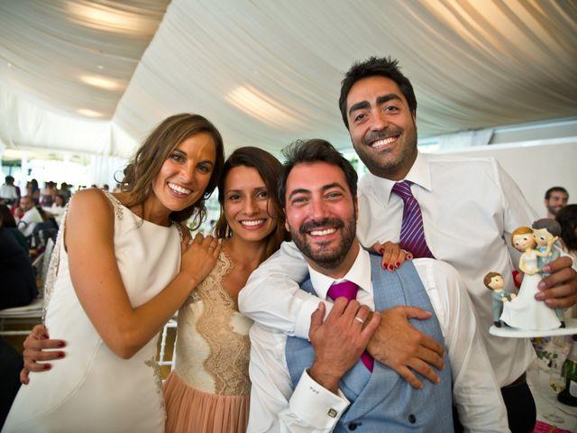 La boda de Juampe y Cris en A Baña, A Coruña 13