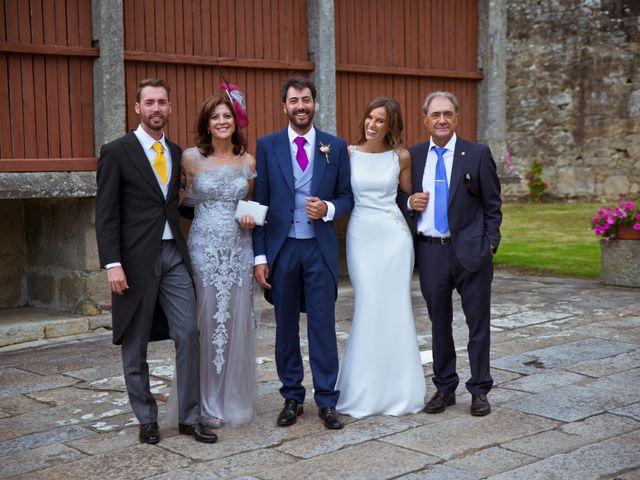 La boda de Juampe y Cris en A Baña, A Coruña 19