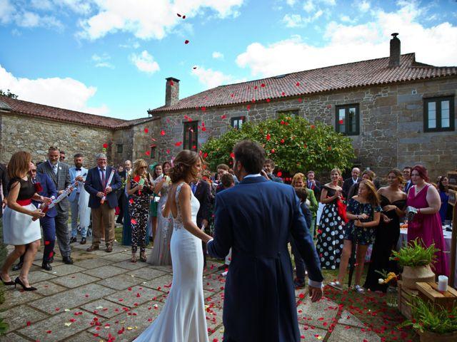 La boda de Juampe y Cris en A Baña, A Coruña 21