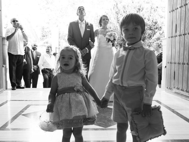 La boda de Juan Diego y Elisabet en Fuengirola, Málaga 14