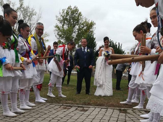 La boda de Roberto y Verónica  en Ampudia, Palencia 9