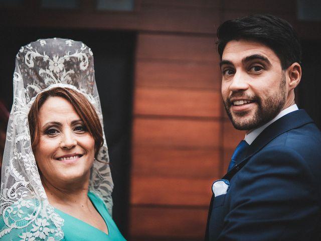 La boda de Jesús y Laura en Espartinas, Sevilla 16