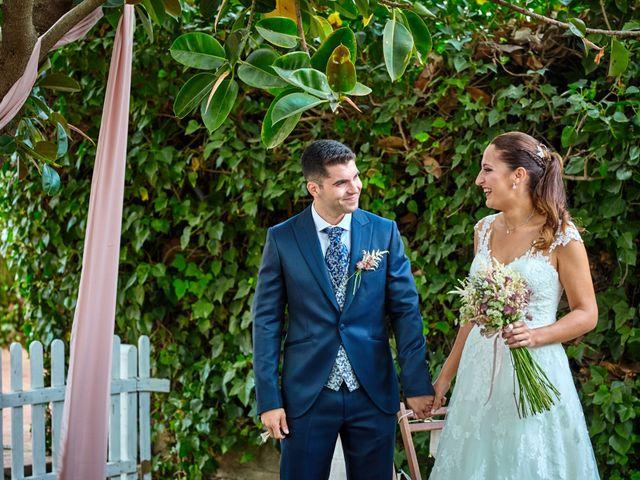 La boda de Carlos y Librada en Almoradí, Alicante 21