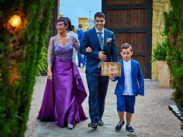 La boda de Carlos y Librada en Almoradí, Alicante 30