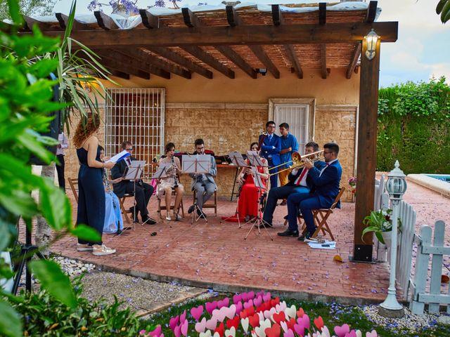 La boda de Carlos y Librada en Almoradí, Alicante 32