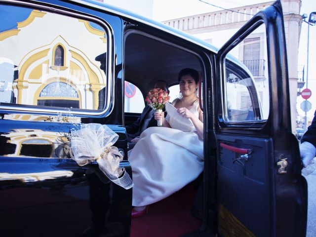 La boda de Alberto  y Paqui en Coria Del Rio, Sevilla 5
