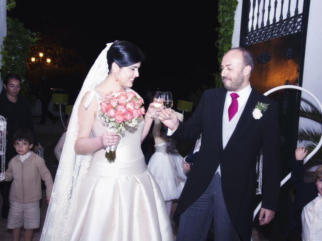 La boda de Alberto  y Paqui en Coria Del Rio, Sevilla 31