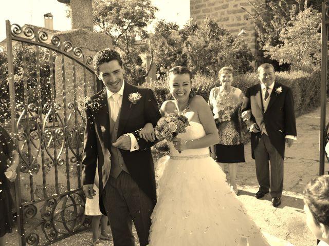 La boda de Damian y Almudena en Navaluenga, Ávila 10