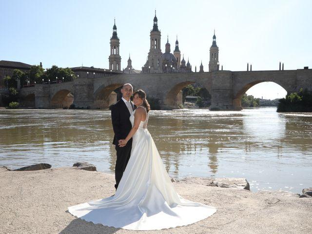 La boda de Marco y María en Cadrete, Zaragoza 21