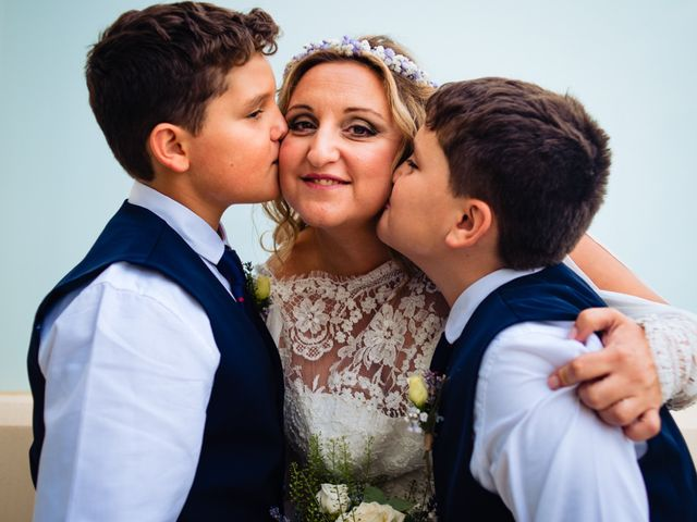 La boda de Manuel y Pilar en Valencia, Valencia 102