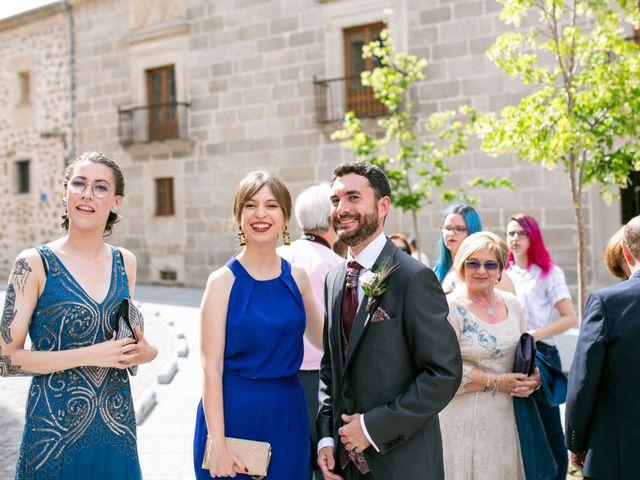 La boda de Joaquín y Lorena en Villatoro, Ávila 26
