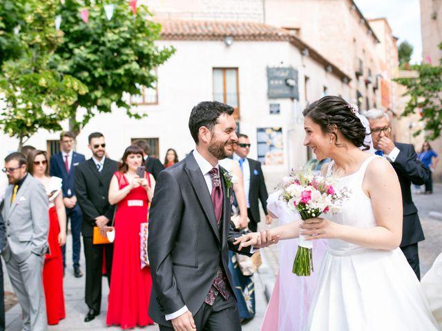 La boda de Joaquín y Lorena en Villatoro, Ávila 33