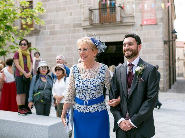 La boda de Joaquín y Lorena en Villatoro, Ávila 35