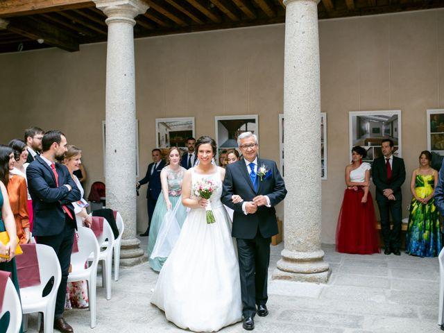 La boda de Joaquín y Lorena en Villatoro, Ávila 36