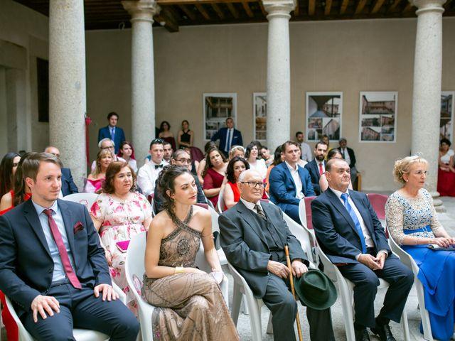 La boda de Joaquín y Lorena en Villatoro, Ávila 39