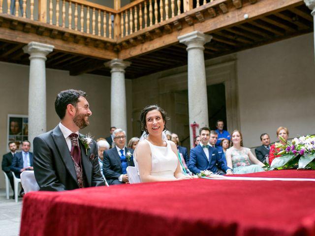 La boda de Joaquín y Lorena en Villatoro, Ávila 40