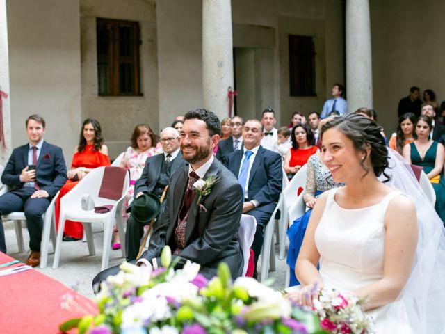 La boda de Joaquín y Lorena en Villatoro, Ávila 43