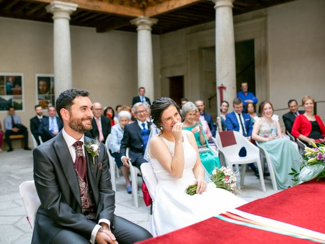 La boda de Joaquín y Lorena en Villatoro, Ávila 47