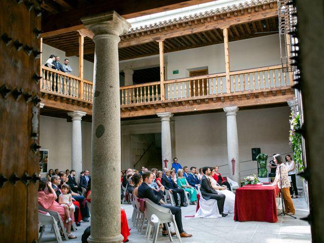 La boda de Joaquín y Lorena en Villatoro, Ávila 49