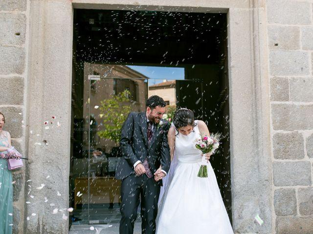 La boda de Joaquín y Lorena en Villatoro, Ávila 68