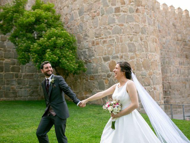 La boda de Joaquín y Lorena en Villatoro, Ávila 70