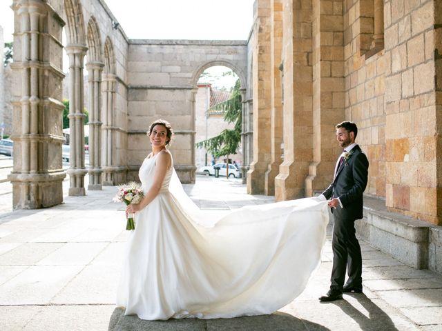 La boda de Joaquín y Lorena en Villatoro, Ávila 74