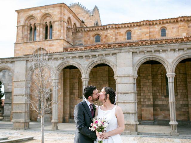 La boda de Joaquín y Lorena en Villatoro, Ávila 78