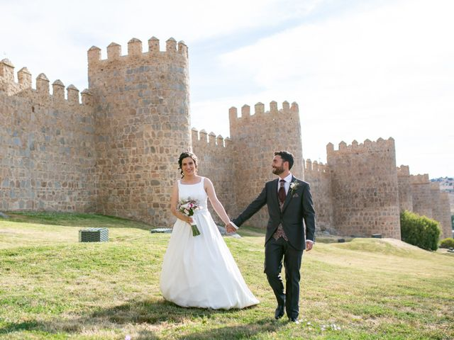 La boda de Joaquín y Lorena en Villatoro, Ávila 83