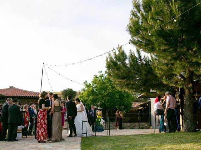 La boda de Joaquín y Lorena en Villatoro, Ávila 95