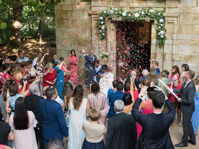 La boda de Alberto y Lucia en Oleiros, A Coruña 17