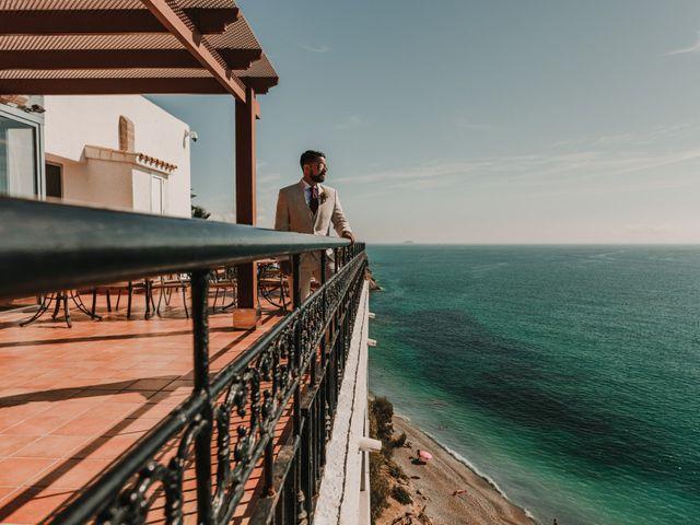 La boda de Paúl y Blanca en La/villajoyosa Vila Joiosa, Alicante 15