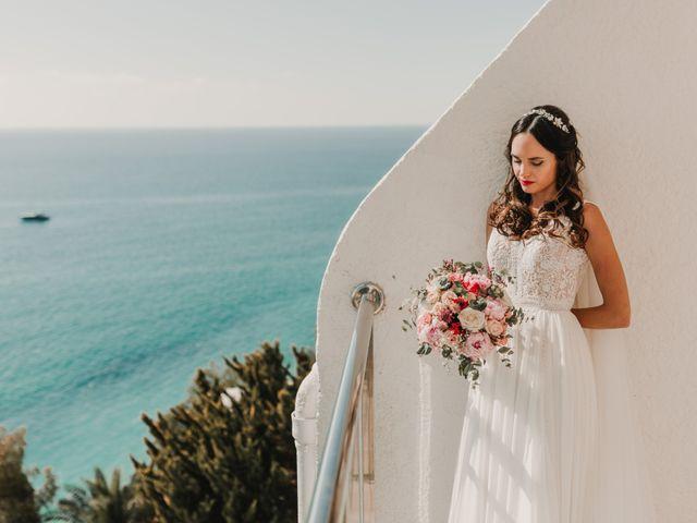 La boda de Paúl y Blanca en La/villajoyosa Vila Joiosa, Alicante 24