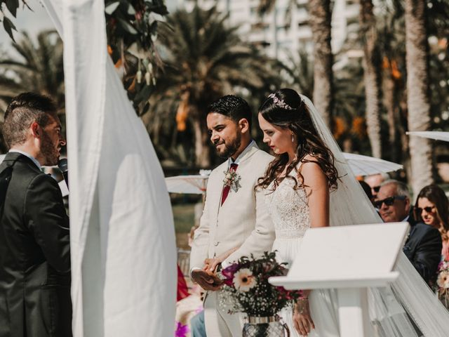 La boda de Paúl y Blanca en La/villajoyosa Vila Joiosa, Alicante 41