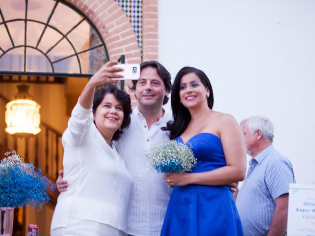 La boda de Pablo y Viviane en Gerena, Sevilla 17