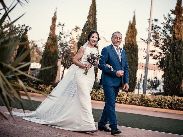 La boda de David y Mamen en Almendralejo, Badajoz 35