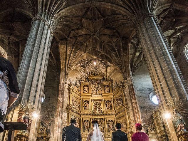 La boda de David y Diana en Laguardia, Álava 13