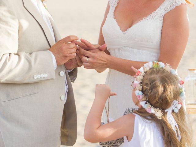 La boda de Juanjo y Lidia en Zahara De Los Atunes, Cádiz 42