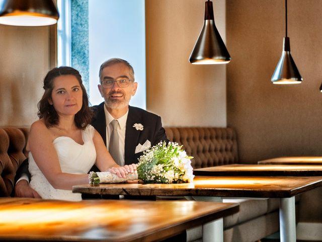 La boda de James y Isabel en Santiago De Compostela, A Coruña 10