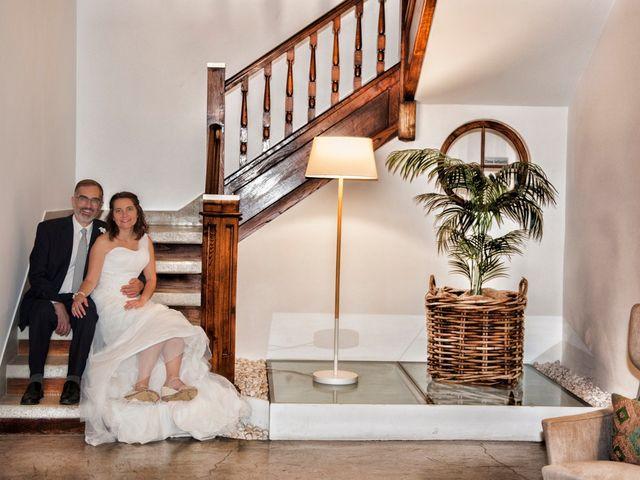 La boda de James y Isabel en Santiago De Compostela, A Coruña 12