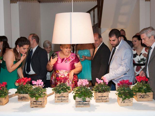 La boda de James y Isabel en Santiago De Compostela, A Coruña 14