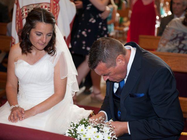 La boda de James y Isabel en Santiago De Compostela, A Coruña 15