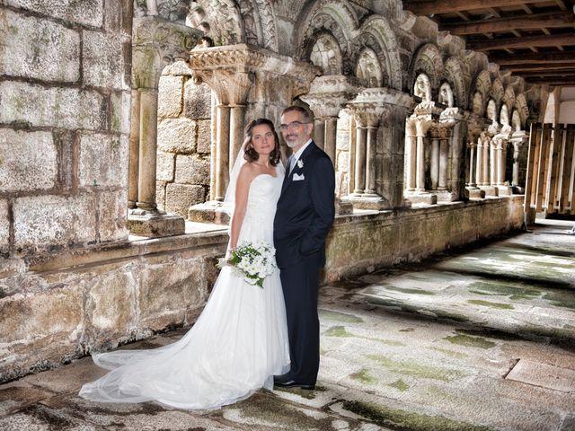 La boda de James y Isabel en Santiago De Compostela, A Coruña 19