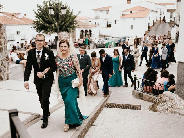 La boda de Alberto y Ara en Torreperogil, Jaén 51