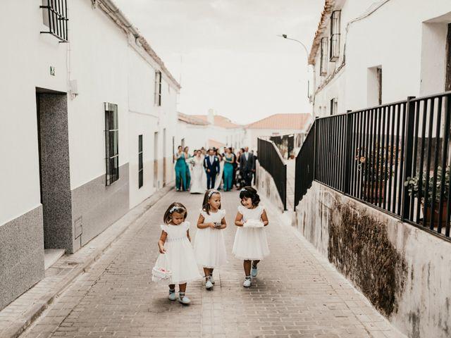 La boda de Alberto y Ara en Torreperogil, Jaén 57