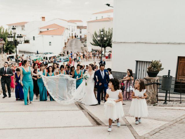 La boda de Alberto y Ara en Torreperogil, Jaén 58