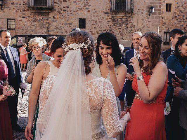 La boda de Victor y Laura en Cáceres, Cáceres 45